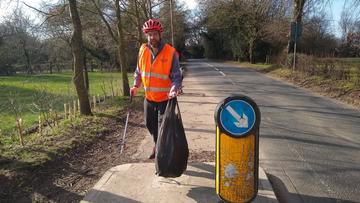 Tim Glenton litter picking